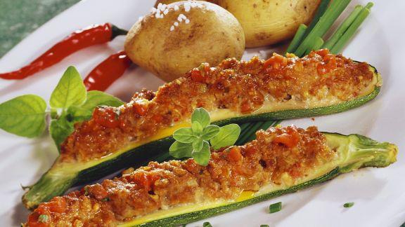Rezept: Zucchinischiffchen mit Kartoffeln