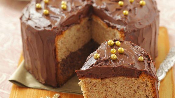 Rezept: Zwei-Nuss-Kuchen mit Schokocreme