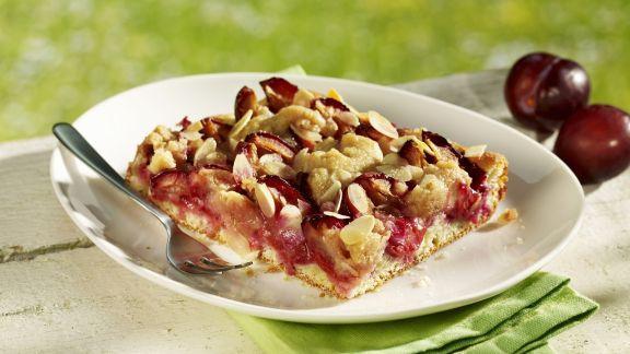 Rezept: Zwetschgenkuchen mit Mandelblättchen
