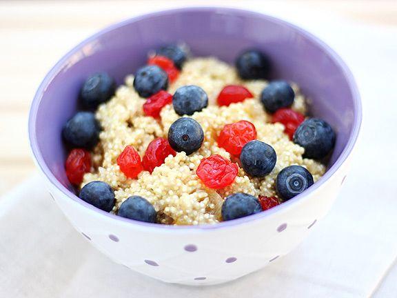 breakfast quinoa eiwei zum fr hst ck eat smarter. Black Bedroom Furniture Sets. Home Design Ideas