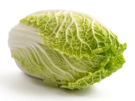 Chinakohl hat wenig Kalorien und kaum Fett.