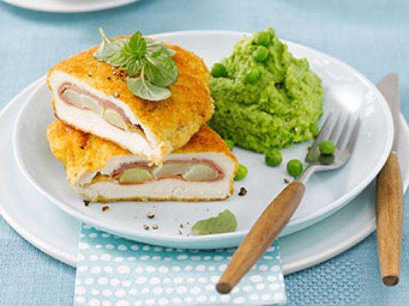 Köstlich: Cordon bleu mit grünem Erbsenpüree