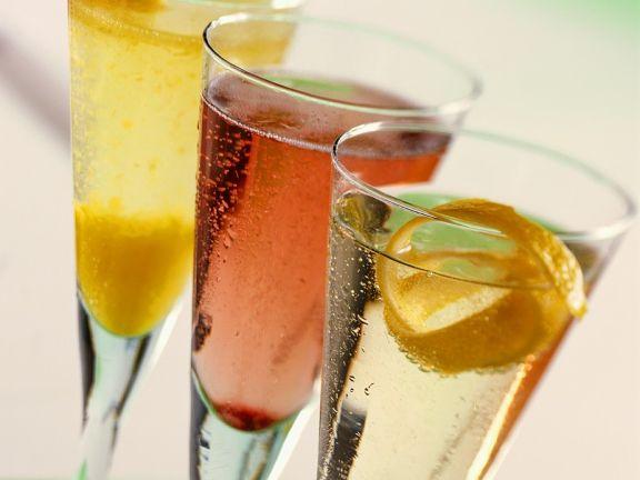 drei champagner cocktails rezept eat smarter. Black Bedroom Furniture Sets. Home Design Ideas