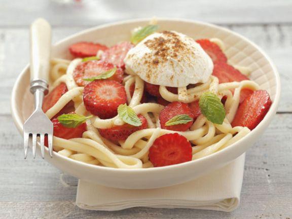Pasta mit Erdbeeren