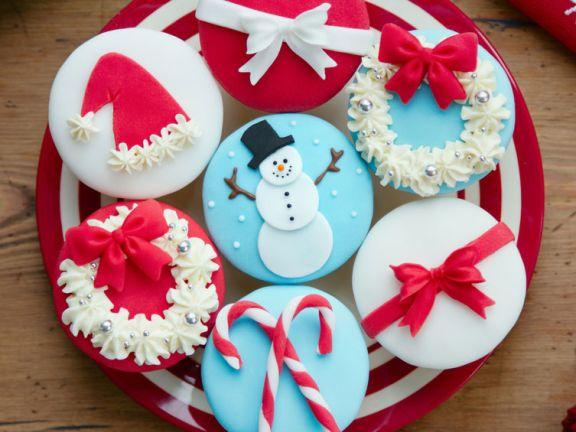 Weihnachtscupcakes mit Fondant