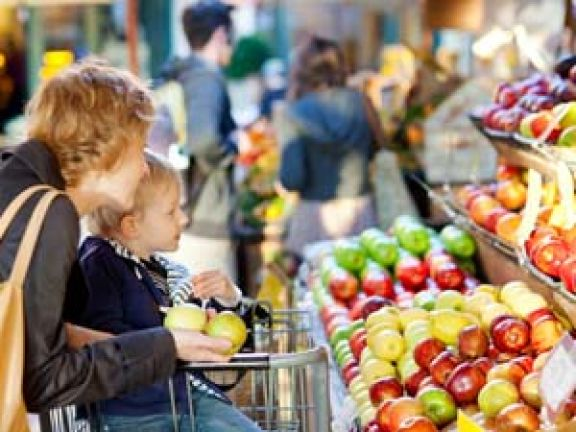 Wie Ihr Kind Spaß am Essen bekommt © Aleksei Potov - Fotolia.com