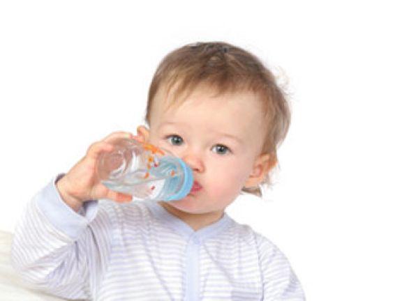 Steckt Babytee voller Zucker?