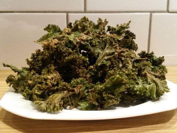 Kale Chips sind ein gesunder Snack