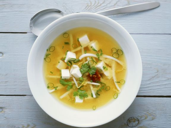 miso suppe mit tofu und sprossen rezept eat smarter. Black Bedroom Furniture Sets. Home Design Ideas