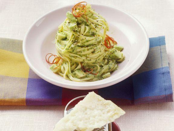 pasta mit avocado pesto rezept eat smarter. Black Bedroom Furniture Sets. Home Design Ideas