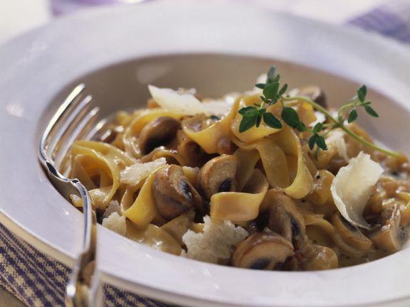 pasta mit champignon mascarpone so e rezept eat smarter. Black Bedroom Furniture Sets. Home Design Ideas