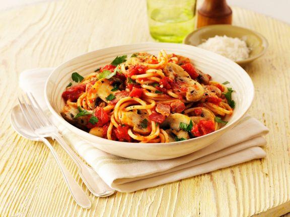 pasta mit pilzen speck und tomaten rezept eat smarter. Black Bedroom Furniture Sets. Home Design Ideas