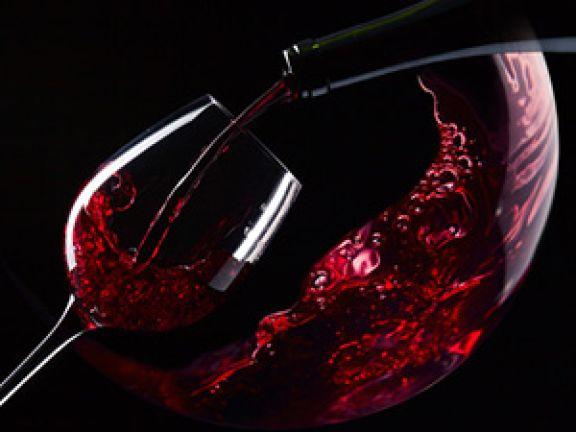 Rotwein – lecker, aber nicht gesund! © Igor Normann - Fotolia.com