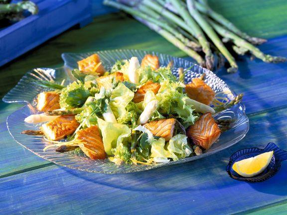 salat mit spargel und gebratenem lachs rezept eat smarter. Black Bedroom Furniture Sets. Home Design Ideas
