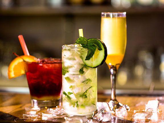 Tea-Cocktails Hibiskus-Minze-Frucht