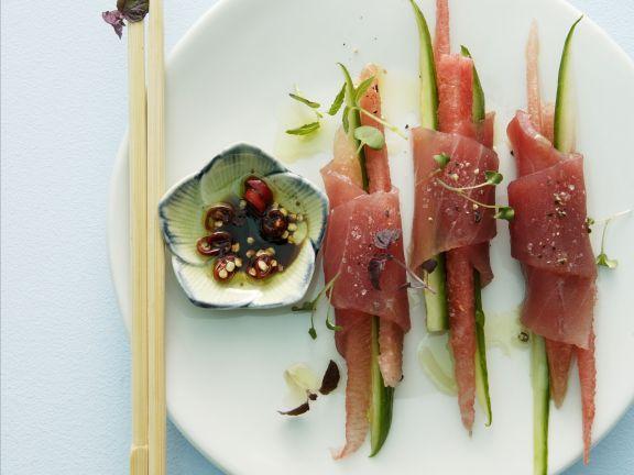 thunfischr llchen nach asiatischer art mit melone und gem se rezept eat smarter. Black Bedroom Furniture Sets. Home Design Ideas