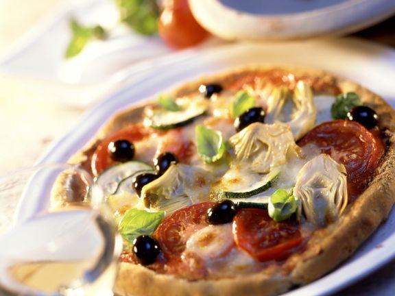 vegetarische pizza mit artischocken oliven und zucchini rezept eat smarter. Black Bedroom Furniture Sets. Home Design Ideas