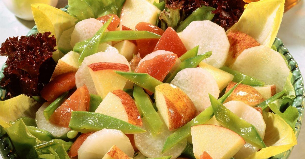 apfel rettich salat mit kefen rezept eat smarter. Black Bedroom Furniture Sets. Home Design Ideas