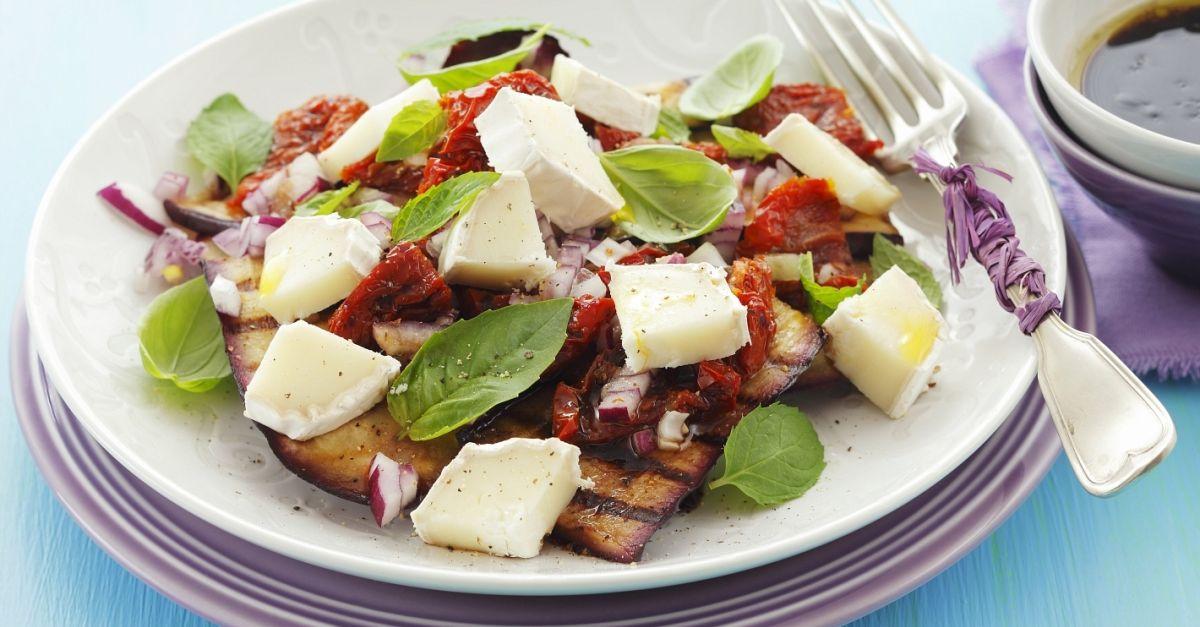 aubergine vom grill mit getrockneten tomaten und ziegenk se rezept eat smarter. Black Bedroom Furniture Sets. Home Design Ideas
