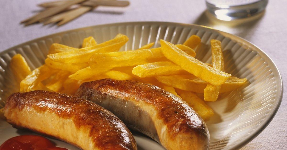 bratw rste mit pommes frites rezept eat smarter. Black Bedroom Furniture Sets. Home Design Ideas