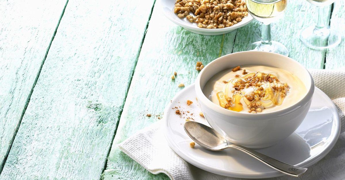 griechischer joghurt mit honig rezept eat smarter. Black Bedroom Furniture Sets. Home Design Ideas