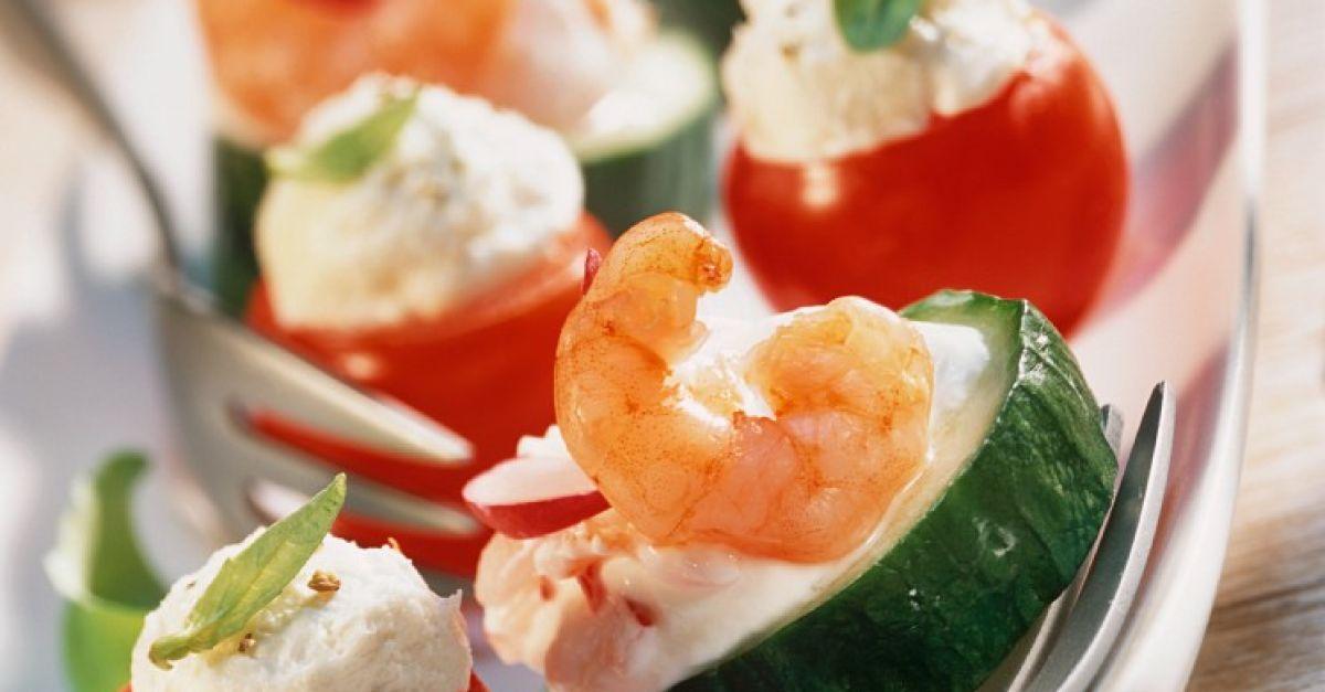 gurken und tomaten h ppchen mit krabben rezept eat smarter. Black Bedroom Furniture Sets. Home Design Ideas