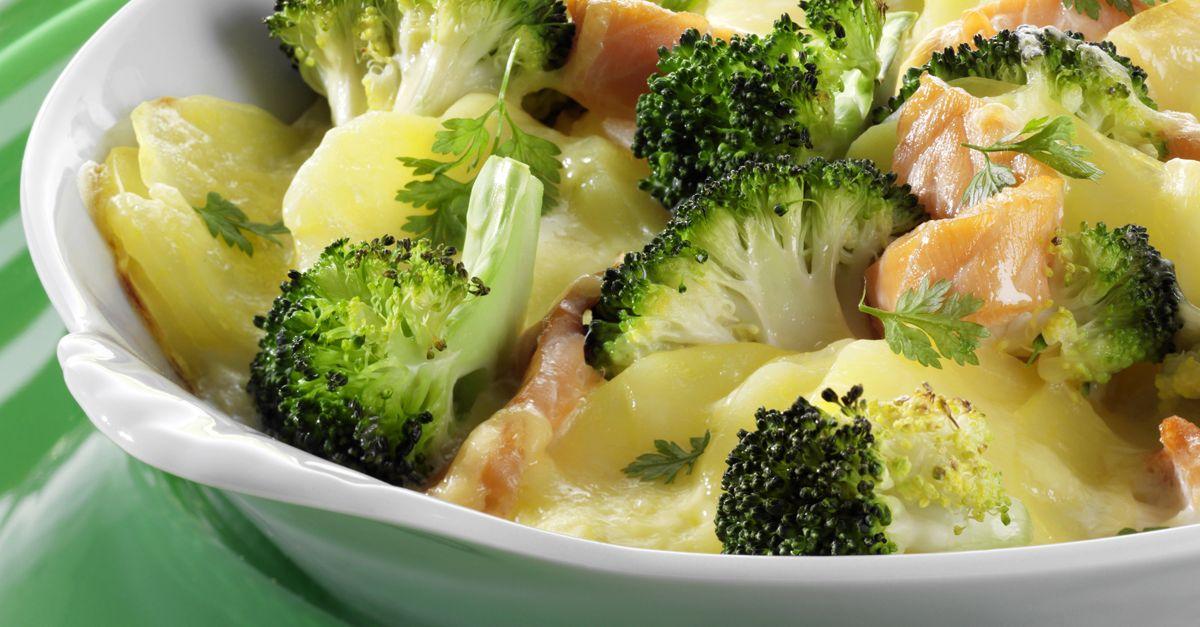 kartoffel brokkoli gratin mit r ucherlachs rezept eat smarter. Black Bedroom Furniture Sets. Home Design Ideas