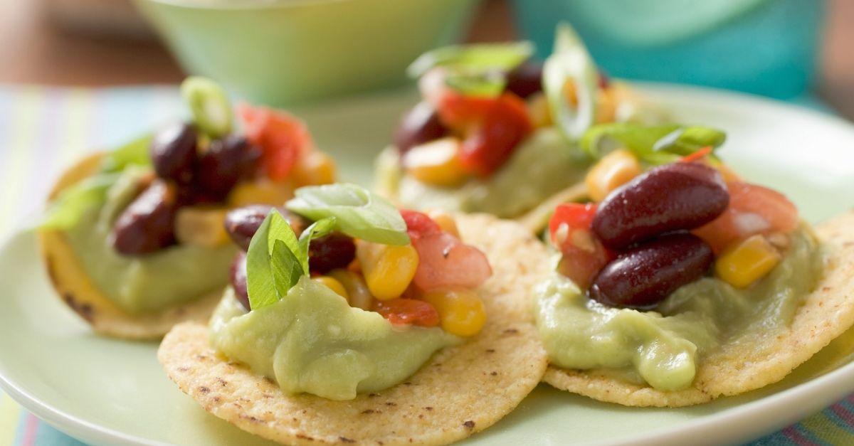 nachos mit avocadocreme rezept eat smarter. Black Bedroom Furniture Sets. Home Design Ideas