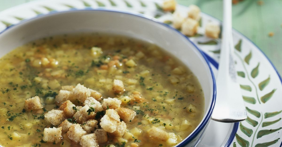 rote linsen suppe mit pastinaken und croutons rezept eat smarter. Black Bedroom Furniture Sets. Home Design Ideas