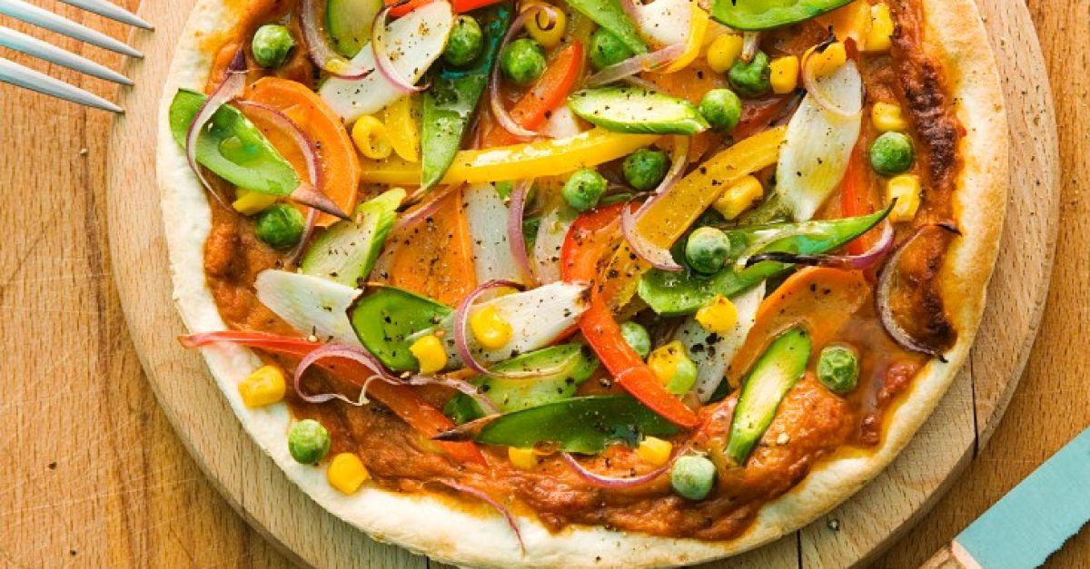 spargel pizza mit erbsen rezept eat smarter. Black Bedroom Furniture Sets. Home Design Ideas