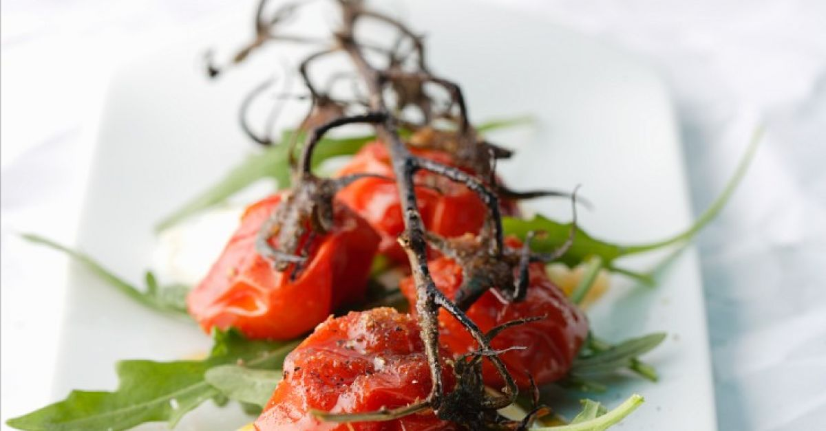 tomaten vom grill mit mozzarella rezept eat smarter. Black Bedroom Furniture Sets. Home Design Ideas