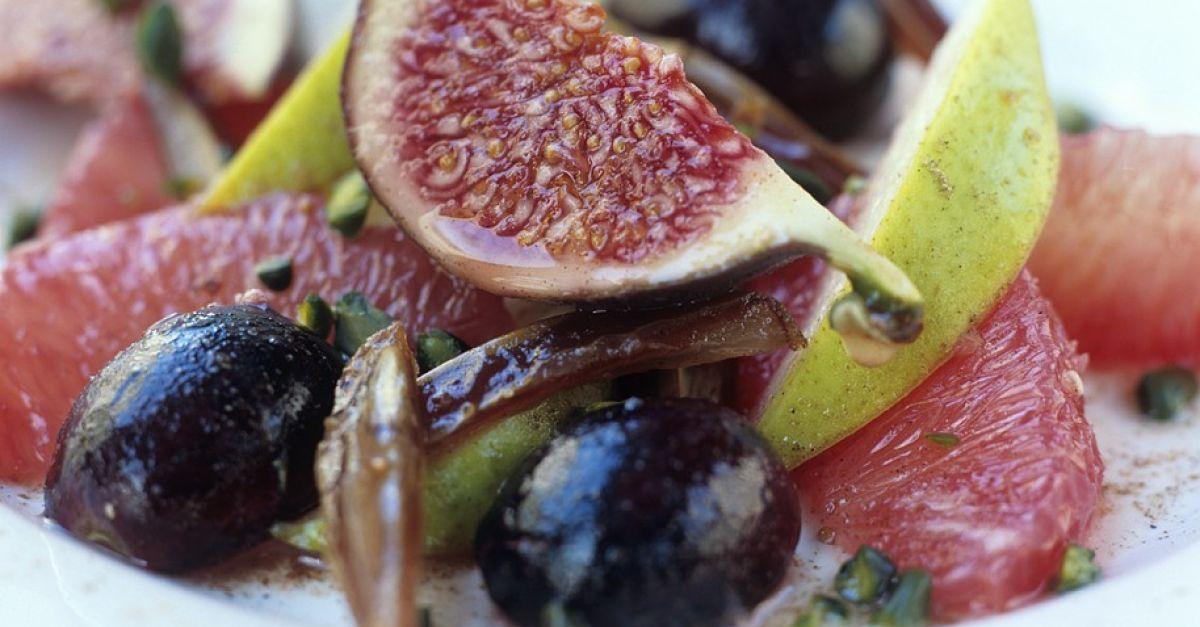 traubensalat mit feigen und datteln rezept eat smarter. Black Bedroom Furniture Sets. Home Design Ideas