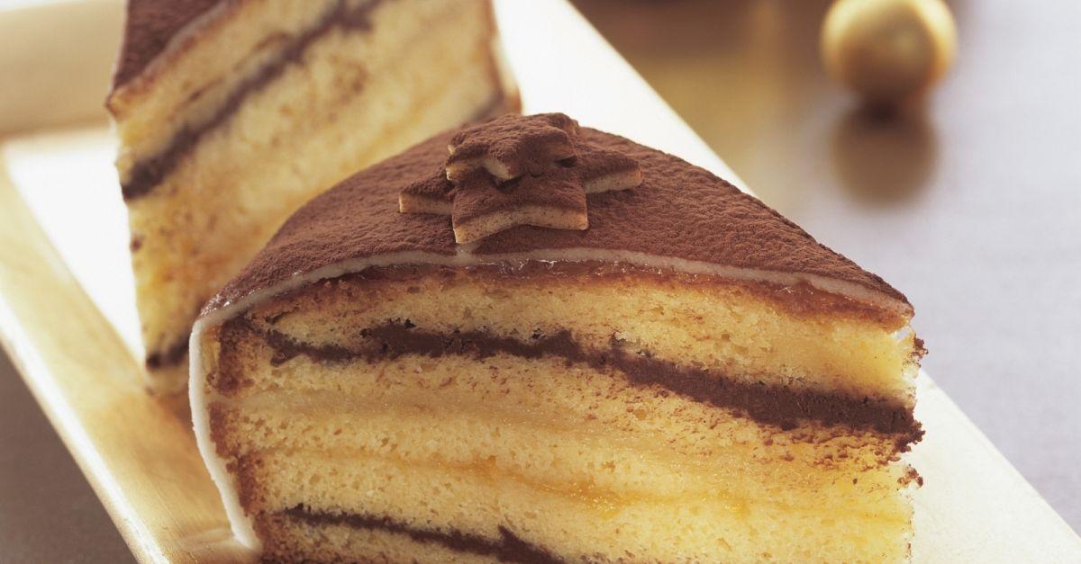 weihnachtliche torte mit marzipan rezept eat smarter. Black Bedroom Furniture Sets. Home Design Ideas