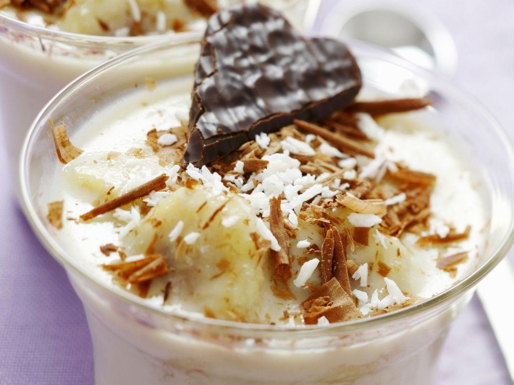 bananen kokos dessert mit wei er schokolade rezept eat smarter. Black Bedroom Furniture Sets. Home Design Ideas