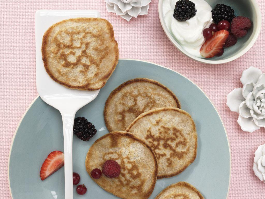 buttermilch vollkorn pancakes rezept eat smarter. Black Bedroom Furniture Sets. Home Design Ideas