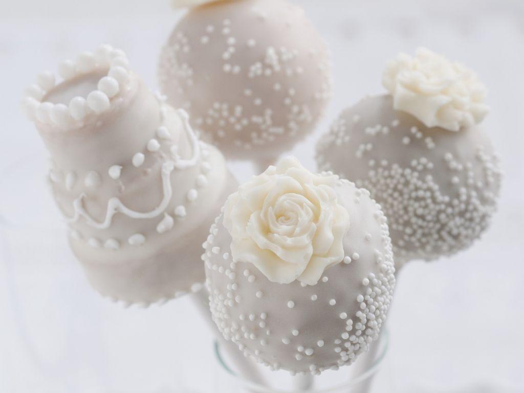 cake pops zur hochzeit rezept eat smarter. Black Bedroom Furniture Sets. Home Design Ideas