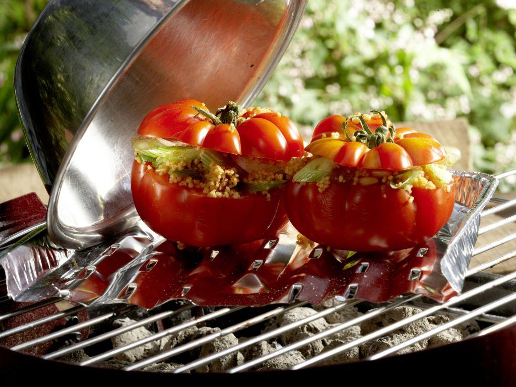 gegrillte couscous tomaten rezept eat smarter. Black Bedroom Furniture Sets. Home Design Ideas