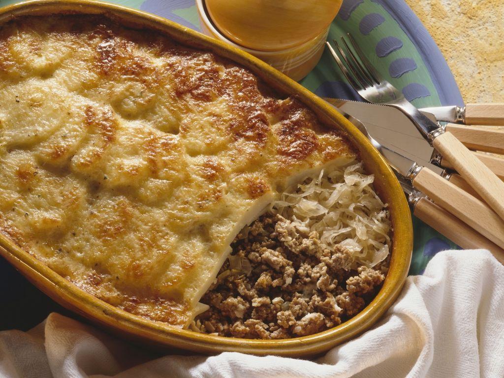 Kartoffelgratin mit hackfleisch und sauerkraut rezept for Kochen mit hackfleisch