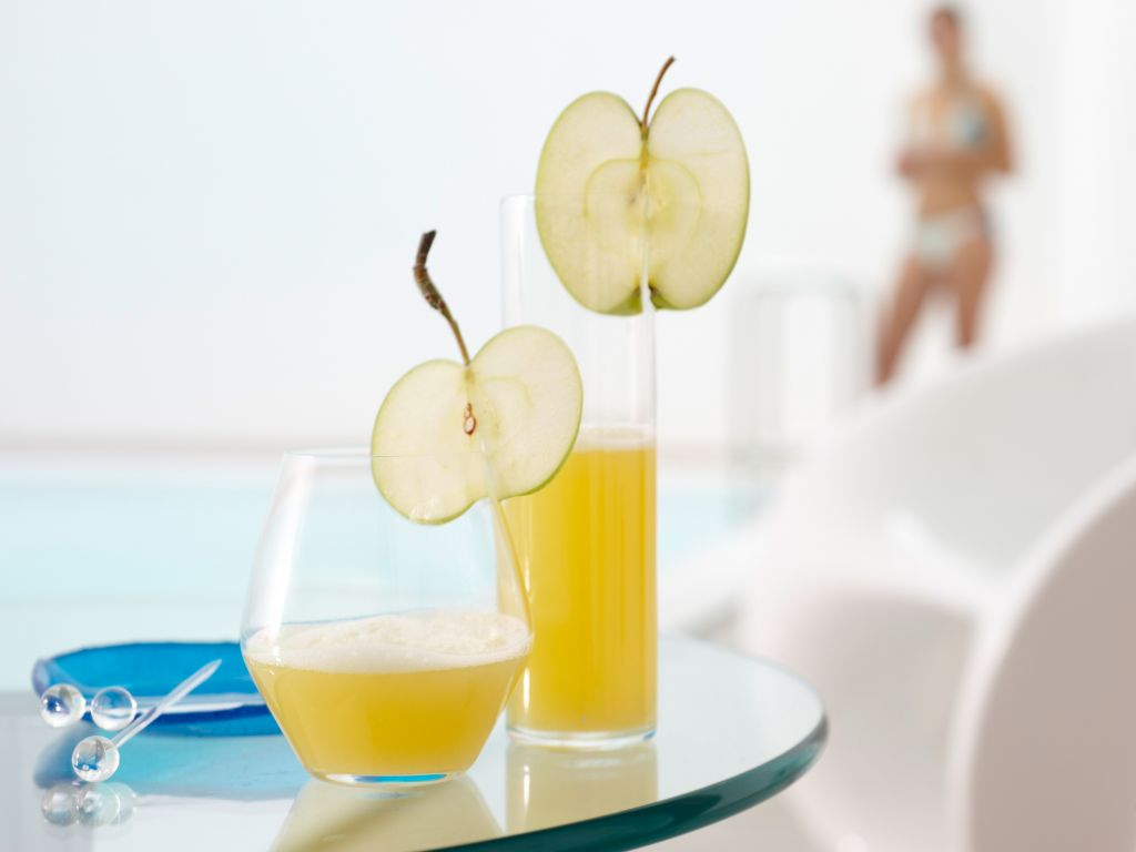 pikanter apfel ananas saft rezept eat smarter. Black Bedroom Furniture Sets. Home Design Ideas