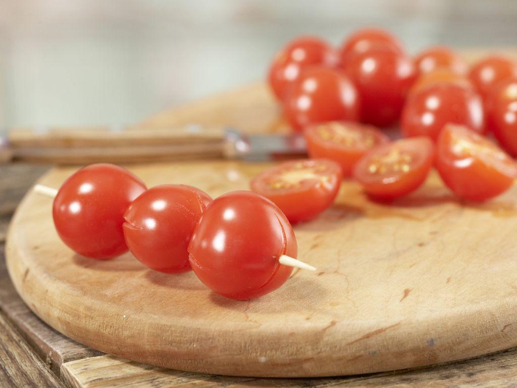tomaten gurken smoothie rezept eat smarter. Black Bedroom Furniture Sets. Home Design Ideas