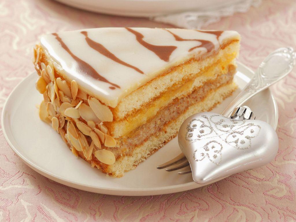 Weihnachtliche marzipan torte rezept eat smarter - Torten dekorieren mit marzipan ...