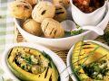 Avocados vom Grill mit Kartoffeln in Salzkruste und Olivensalat Rezept
