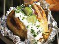 Backkartoffeln mit Schnittlauch und Schmand Rezept