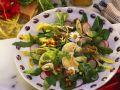Blattsalat mit Kräutern und Blüten Rezept