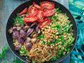 Bulgur-Bowl mit getrockneten Tomaten und Zwiebeln Rezept