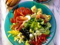 Bunter Salat mit Tomaten-Röstbrot Rezept