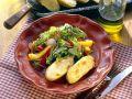 Bunter Salat mit überbackenen Kartoffeln Rezept
