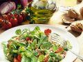 Feldsalat mit Nüssen Rezept