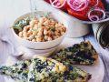 Frittata mit Spinat, Kichererbsen und Salat Rezept