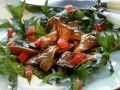 Gebratene Austernpilze auf Tomaten-Löwenzahnsalat Rezept